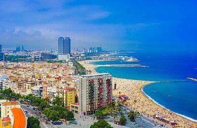 Barcelona beach line